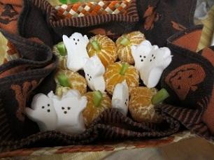 halloween fruit pumpkins